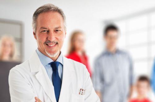 врач клиника медицина